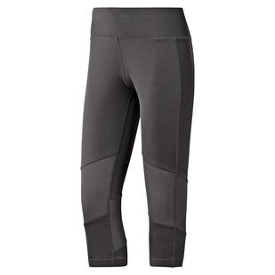 US Mesh Techy - Women's Fitted Capri Pants