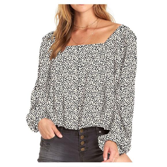 Mi Amore - Off-the-shoulder Shirt