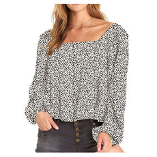 Mi Amore - Off-the-shoulder Shirt