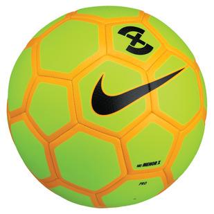 Menor X - Ballon de soccer