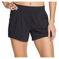 Pleated - Women's Shorts