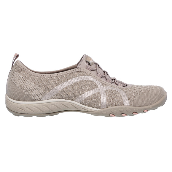 SKECHERS Breathe Easy Fortune Knit - Women s Fashion Shoes  091ad263b6