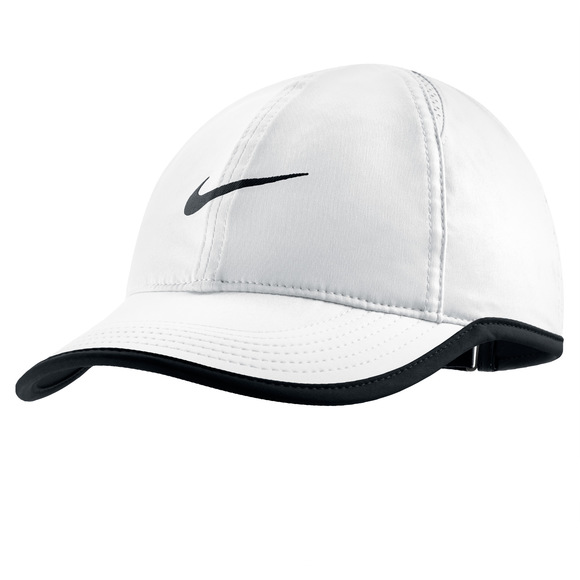 Featherlight - Adjustable cap for women