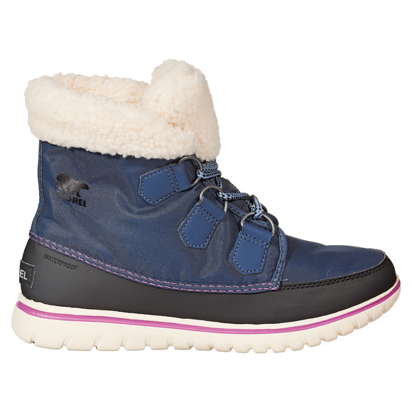 Cozy Carnival - Women's Winter Boots